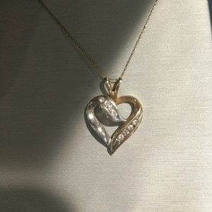 Heart shaped diamond pendant with chain